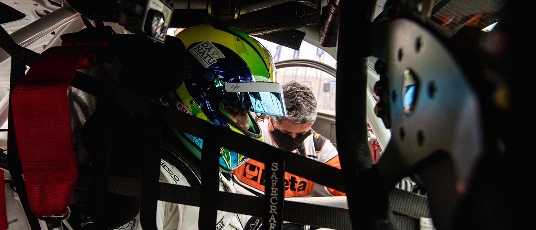 Felipe Massa acelera pela primeira vez na Porsche Cup e mostra que domina qualquer tipo de carro