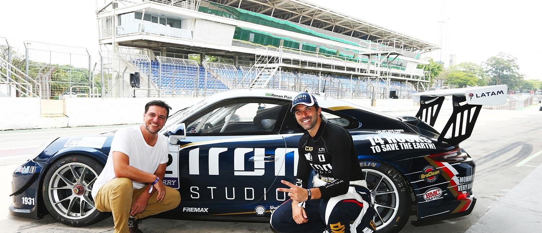 Renan Pizii leva Rodrigo Lombardi para uma volta rápida em Interlagos