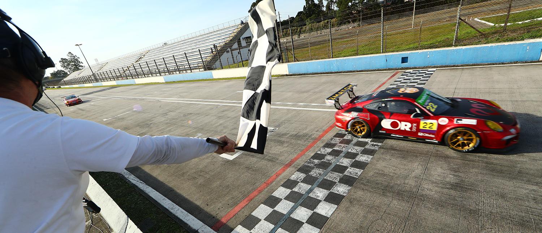 Em sua segunda jornada pela Porsche XP Private Cup, Caio Castro garante seu primeiro pódio na categoria