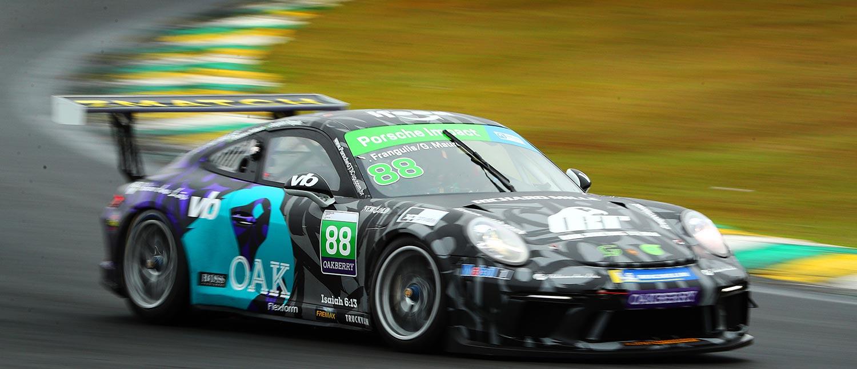 Renan Pizii e Danilo Dirani cravam a pole para abertura da Porsche XP Private Cup Endurance Series